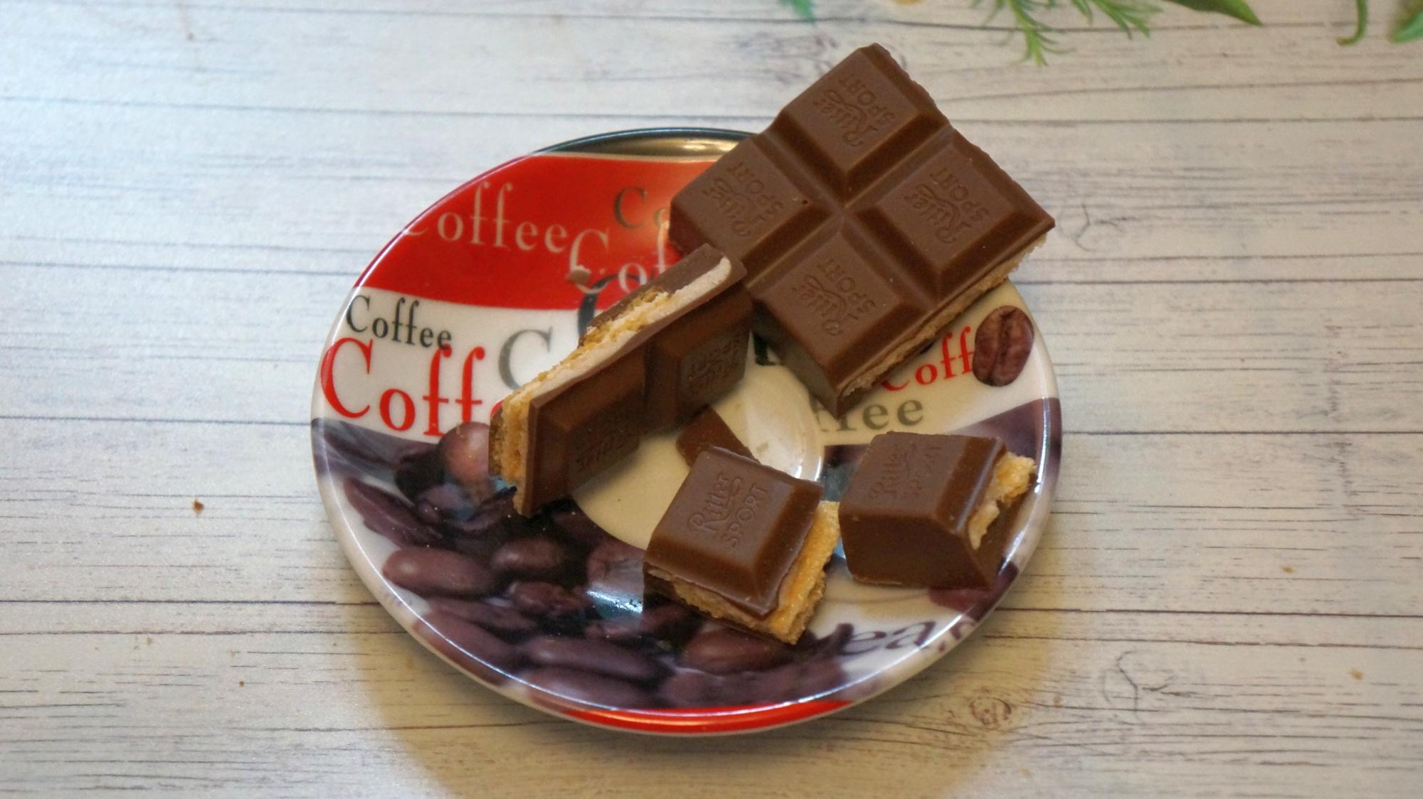 Шоколад Ritter Sport Кокос и вафля