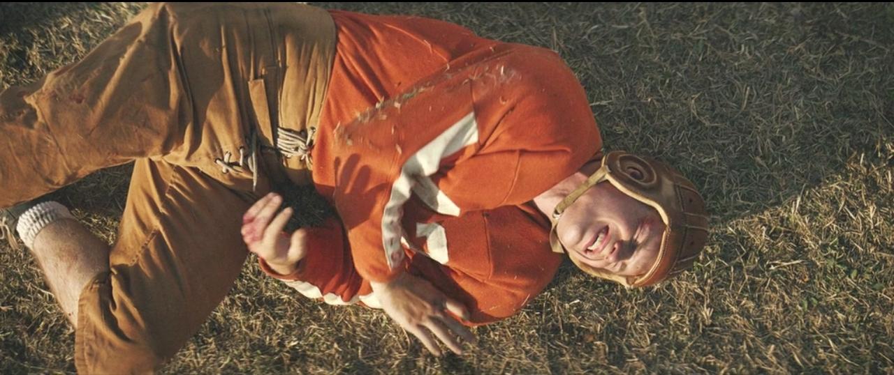 Кадр из фильма 12 Mighty Orphans (2021)